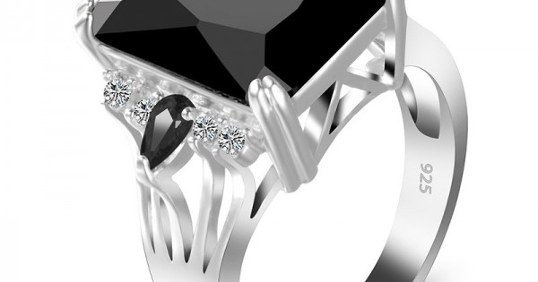 Buy iNewi iLuxuryi iStylei Black Color Radiant Silver Party Ring