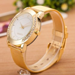Woman Golden Stainless Mesh Strappy Analogue Watch