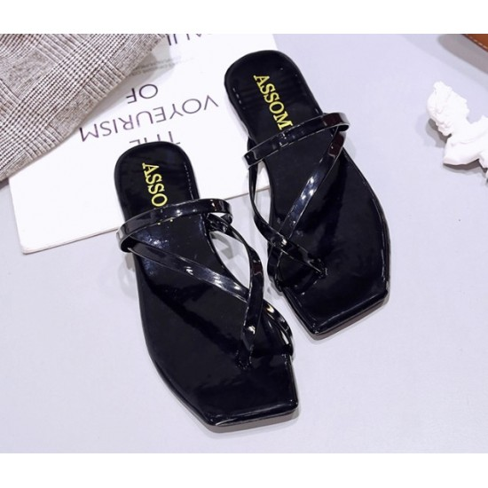 Woman Square Head Flat Bottom Formal Beach Sandals-Black