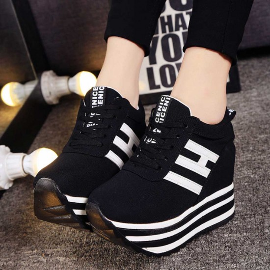 Thick Muffin Platform Laces Up Women Sneakers - Black